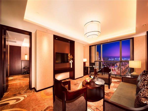 Výhled zNew Century Grand Hotel