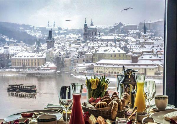 Výhled zFour Seasons Hotel Prague